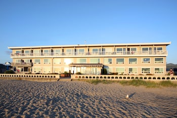 Picture of Seashore Inn ... on the Beach in Seaside