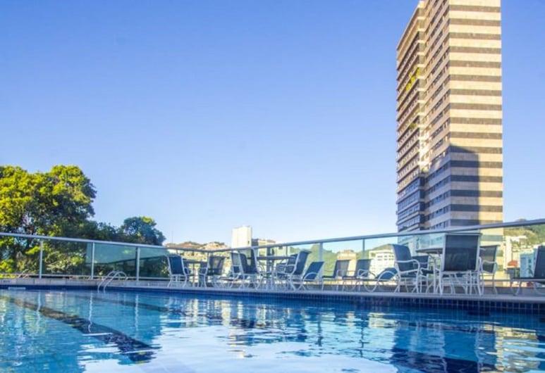 波本貝洛地平線薩瓦西飯店, 貝羅奥利松, 游泳池