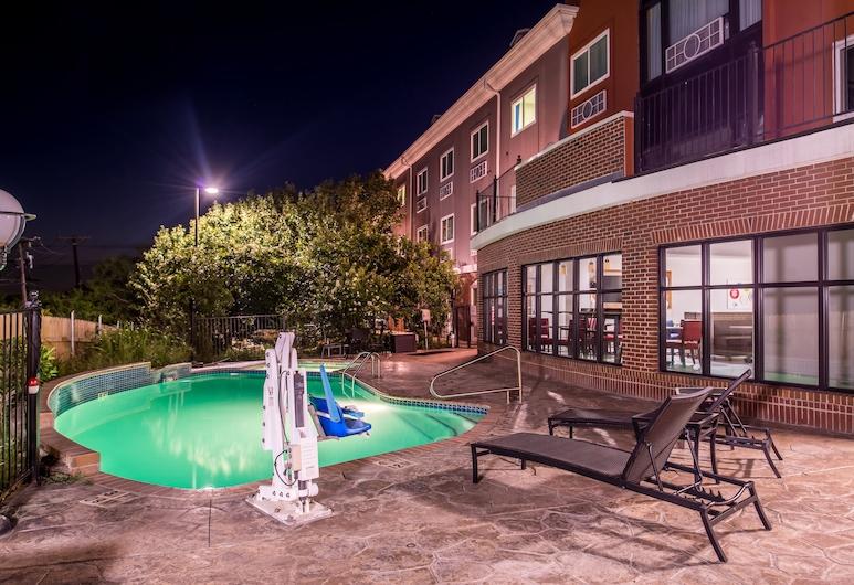 Holiday Inn Express Hotel & Suites Elgin, Elgin, Pool