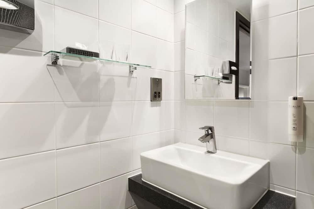Izba, 1 dvojlôžko, nefajčiarska izba - Kúpeľňa