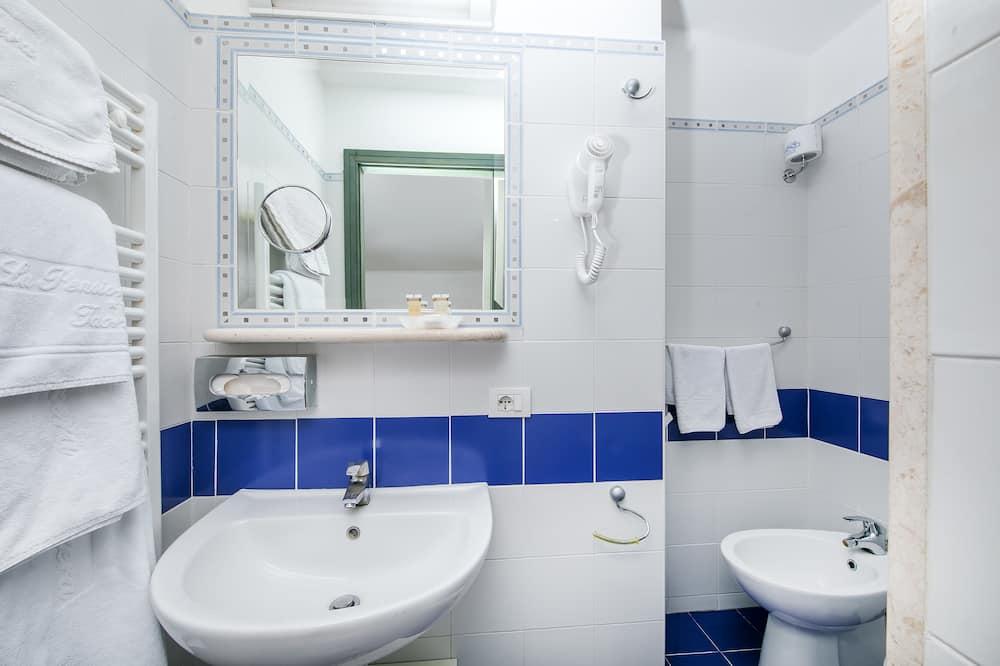 Twin Room, Terrace, Sea View (Mansarda) - Bathroom