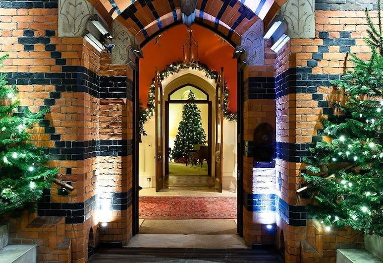 The Elvetham Hotel, Hook, Hallway