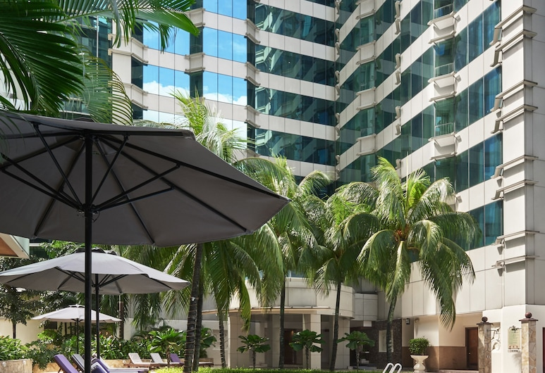 Pullman Kuala Lumpur City Centre Hotel & Residences, Kuala Lumpur, Pool
