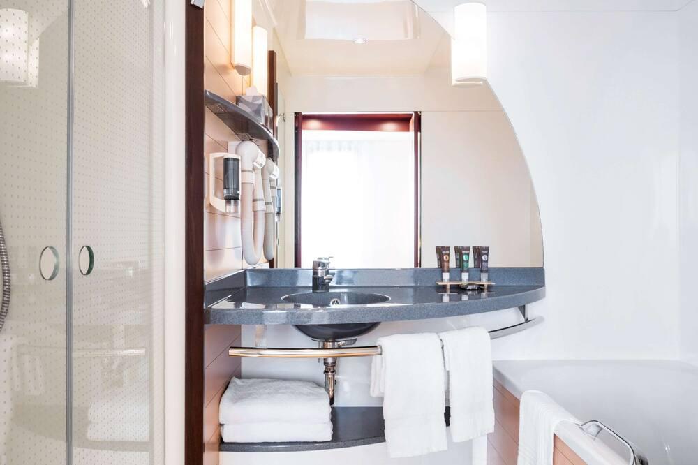 ห้องเอ็กเซกคิวทีฟสวีท, หลายเตียง - ห้องน้ำ