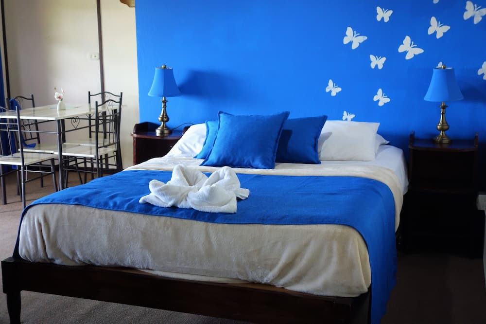 Standartinio tipo kambarys, balkonas, Dalinis vaizdas į vandenyną - Svečių kambarys