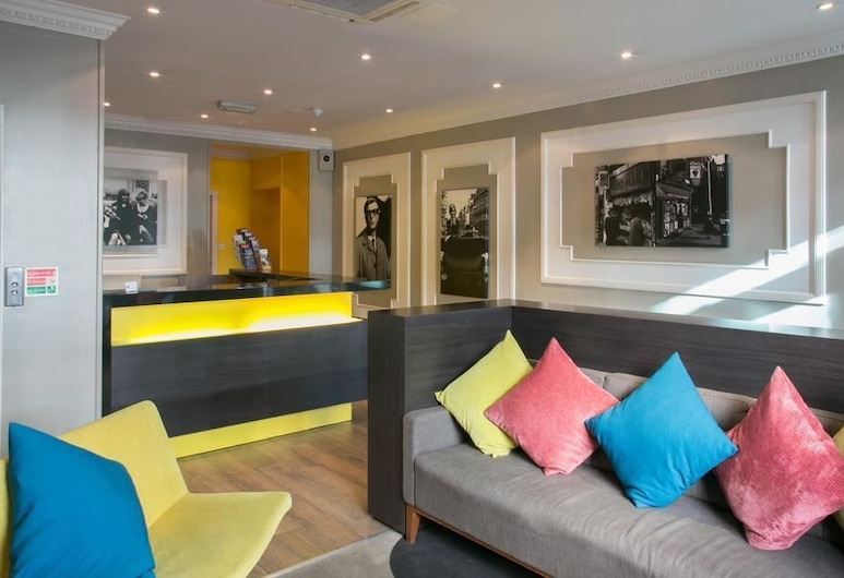 Comfort Inn Victoria, Londona, Reģistratūra