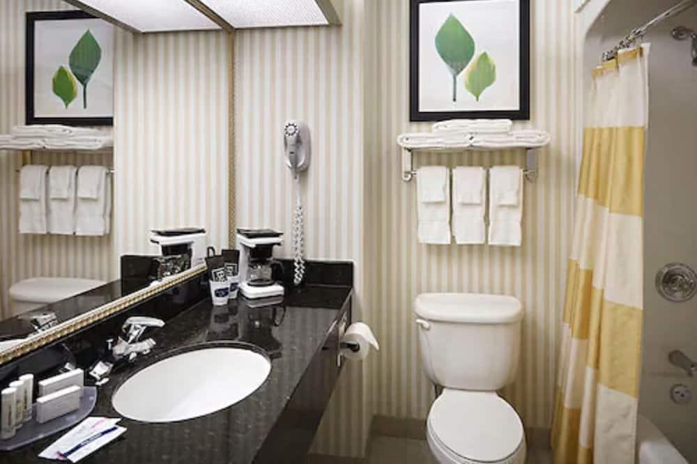 Tuba, 1 ülilai voodi, suitsetamine keelatud - Vannituba