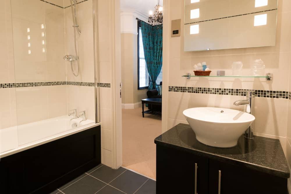 Large Double Room Superior - Kúpeľňa
