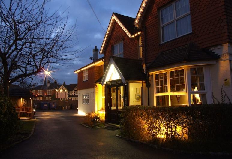 The Corner House Hotel Gatwick, Horley