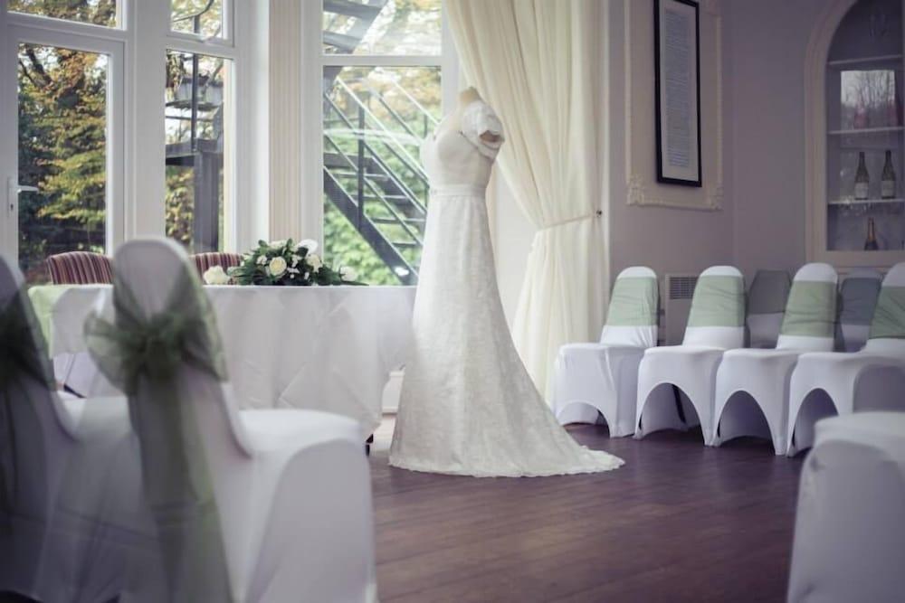 Durker Roods Hotel Holmfirth Indoor Wedding