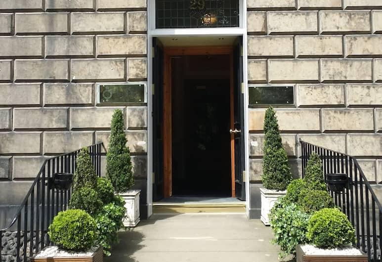 The Royal Scots Club Edinburgh, Edinburgh, Hoteleingang