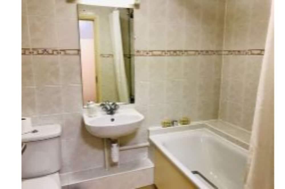 標準雙人房, 附屬建築 - 浴室