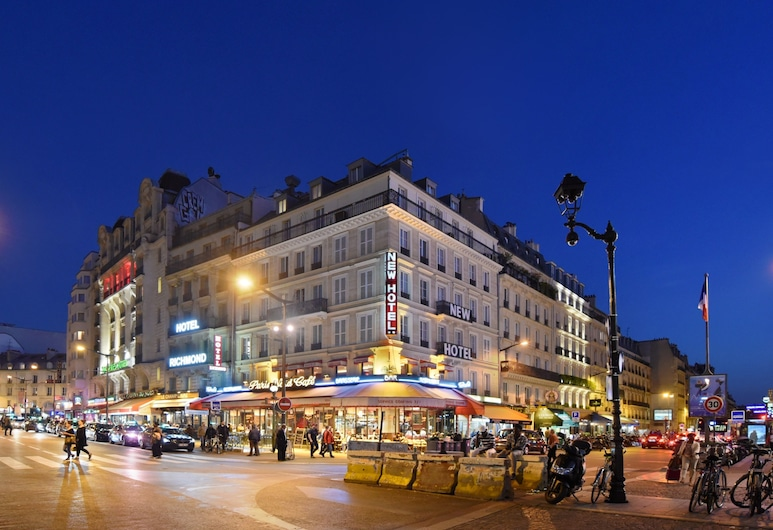New Hôtel Gare du Nord, Paris, Hotel Front – Evening/Night