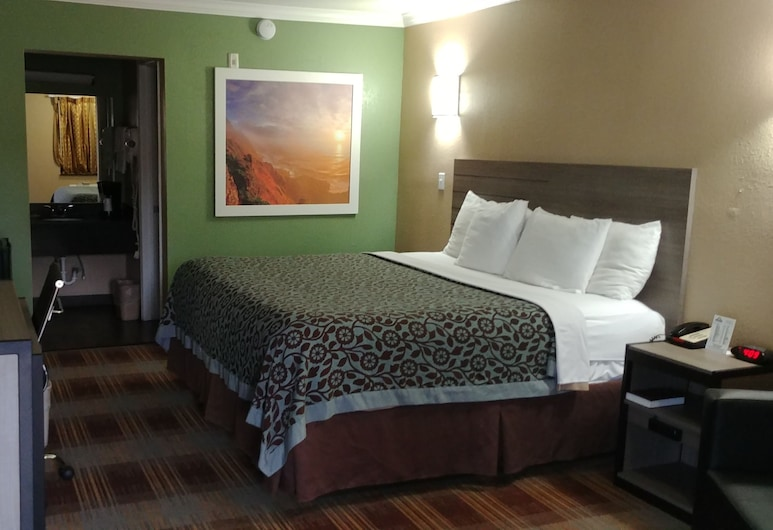 Days Inn by Wyndham Houston East, Houston, Standard Room, 1 King Bed, Smoking, Guest Room