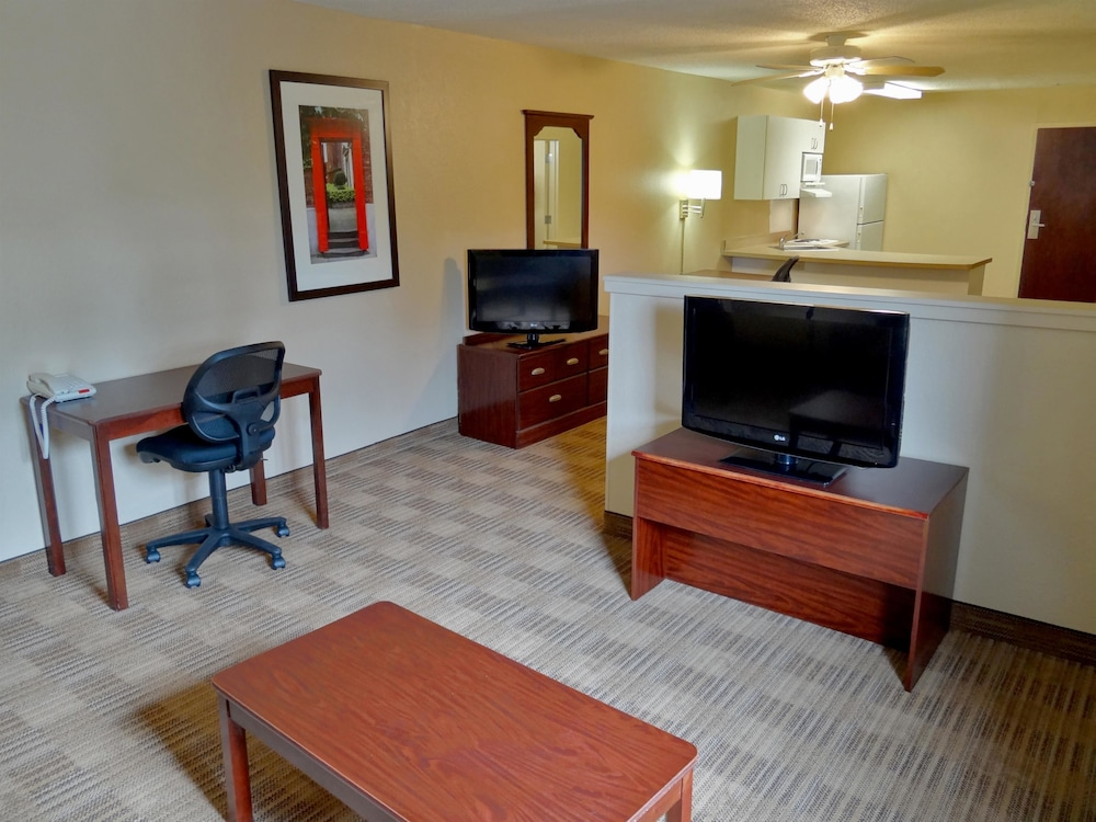 Extended Stay America New York City Laguardia Airport Whitestone Guest Room