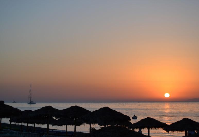 Veggera Hotel, Santorini, Beach