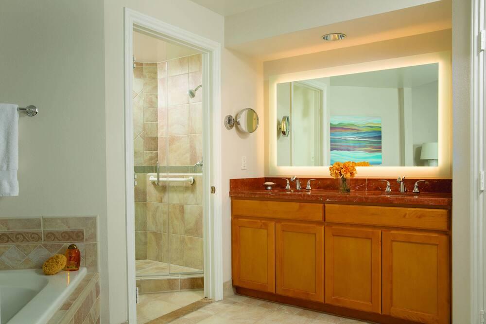 วิลล่า, 2 ห้องนอน, ปลอดบุหรี่, ระเบียง - ห้องน้ำ