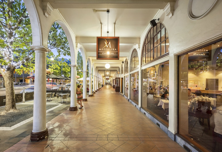 Quest Canberra, Καμπέρα, Εξωτερικός χώρος