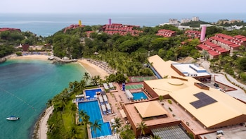 Picture of Las Brisas Huatulco in Huatulco