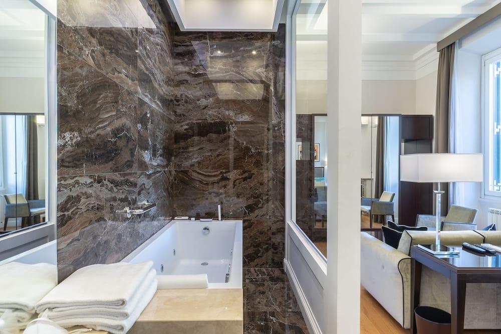 豪華三人房, 城市景觀 - 私人 Spa 浴缸