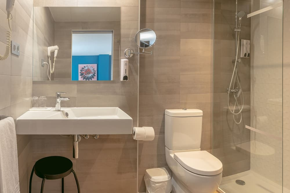 Triple Room - Bathroom Shower