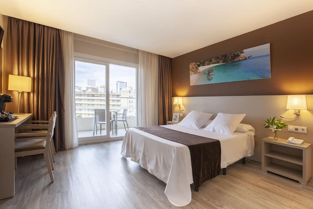 Pokój dwuosobowy typu Premium, balkon, widok na basen - Pokój