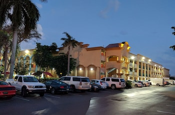 Picture of Red Carpet Inn Airport/Cruiseport in Fort Lauderdale