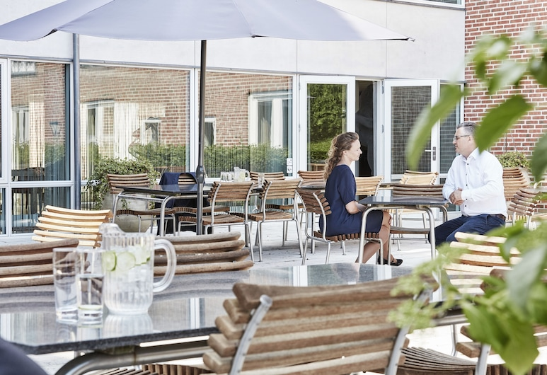Montra Hotel Sabro Kro, Sabro, Refeições no exterior