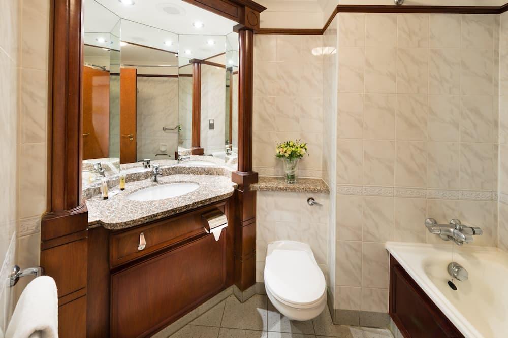 休閒雙床房, 2 張單人床, 雪櫃, 行政樓層 - 浴室