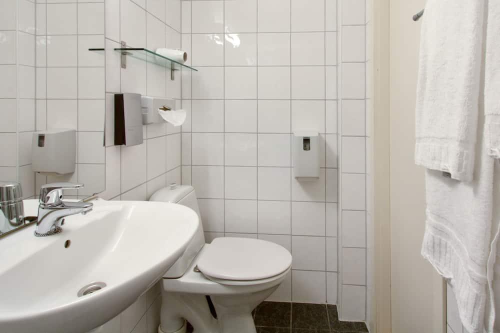 Queen Room (Annex building) - Salle de bain