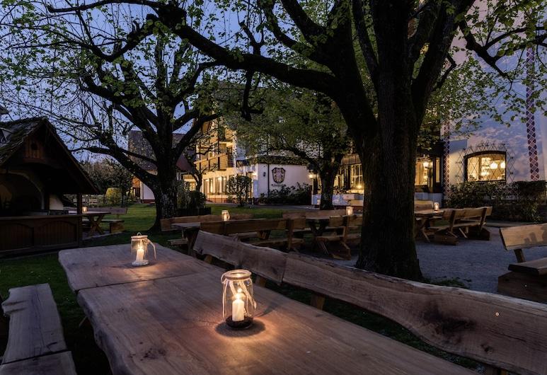Hotel Lindenhof, Pommelsbrunn, Speisen im Freien