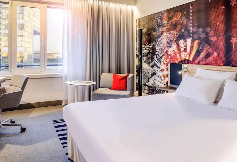 Novotel Köln City, Köln, Standardzimmer, 1Queen-Bett und Schlafsofa, Zimmer