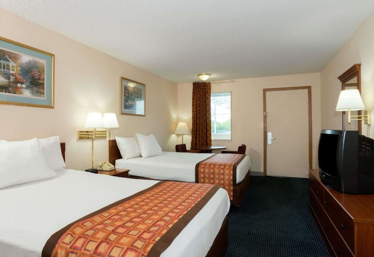 Days Inn by Wyndham Indianapolis East Post Road, Indianápolis, Ground Floor 2 Double Bed Non-Smoking Room, Habitación