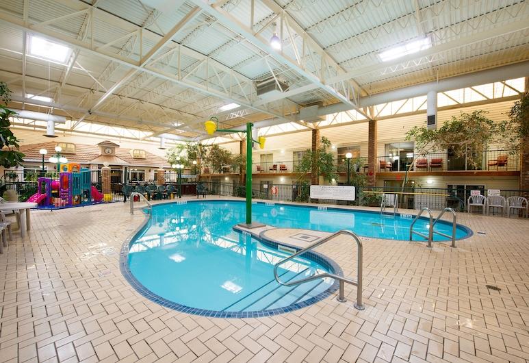 Victoria Inn Hotel & Convention Centre Brandon, แบรนดอน, สระว่ายน้ำในร่ม