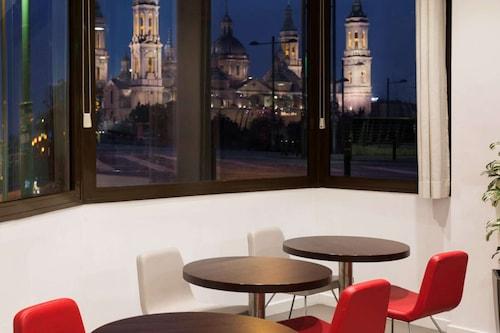 宜必思薩拉戈薩中心飯店/
