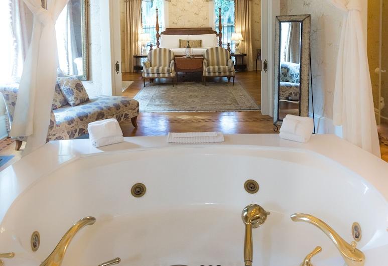The Gastonian, Historic Inns of Savannah Collection, Savana, Numeris jaunavedžiams (Caracalla), Atskira masažinė vonia