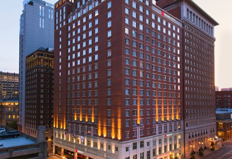 Marriott St. Louis Grand, St. Louis