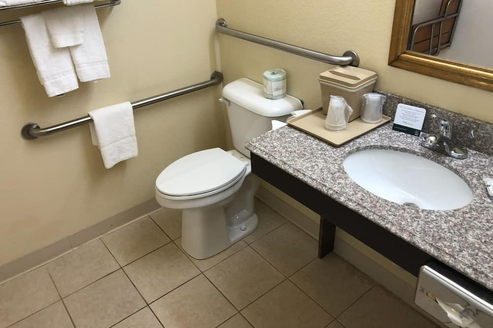 Standard Δωμάτιο, 2 Queen Κρεβάτια, Μη Καπνιστών - Μπάνιο