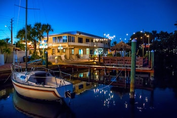 Picture of Bayview Plaza Waterfront Resort in St. Pete Beach