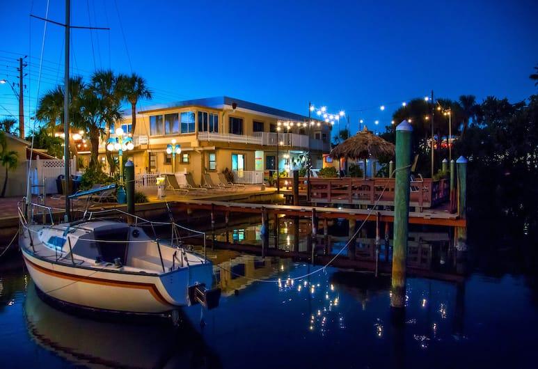 Bayview Plaza Waterfront Resort, St. Pete Beach, Porticciolo