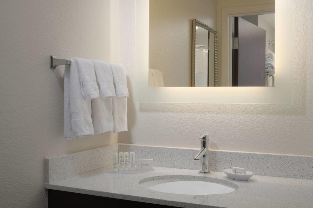 Suite, 2 camas dobles, no fumadores - Cuarto de baño