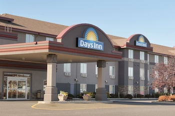 Picture of Days Inn & Suites by Wyndham Thunder Bay in Thunder Bay