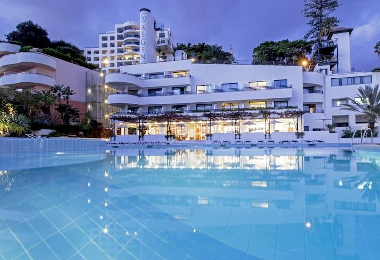 馬德拉麗晶俱樂部飯店, 芳夏爾, 室外游泳池