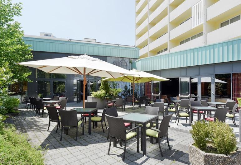 Hotel Vitalis by AMEDIA, Munich, Teras/Patio