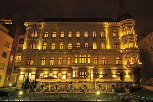 布拉格皇宮藝術酒店/