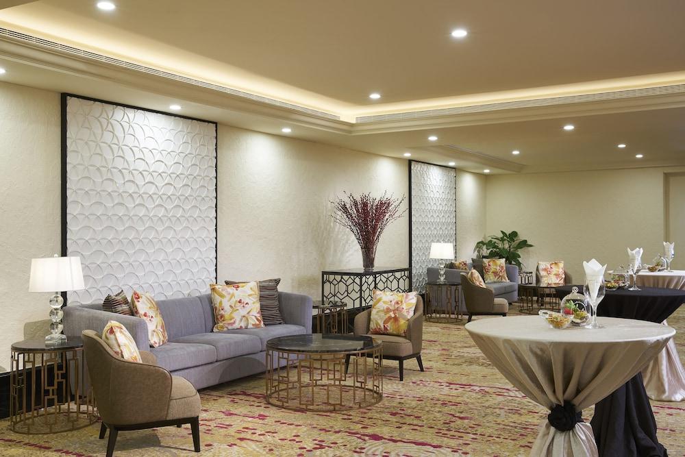 Hotel Nostalgia - Heritage Hotel Singapore near CBD