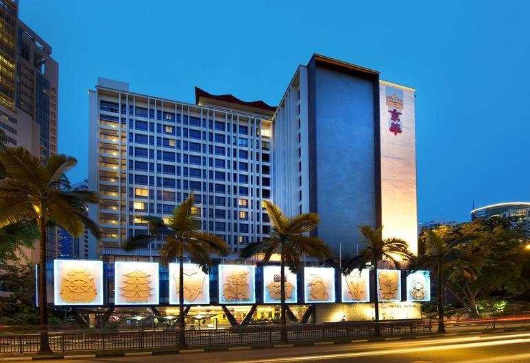 Hotel Royal, Singapore, Hotel Front – Evening/Night
