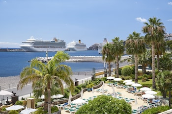 Enter your dates to get the Funchal hotel deal