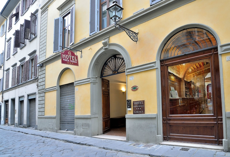 Porta Faenza Hotel, Florence, Hotel Front