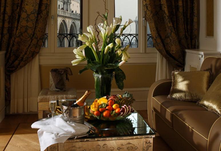 Royal San Marco Hotel, Venedig, Suite (Piazza San Marco View - 3 people), Zimmer